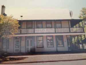 Ballan Hotel, was Flack's Hotel (1998)
