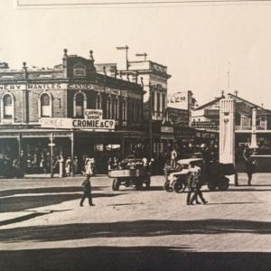 Cromie's Corner 1935 with war memorial in view